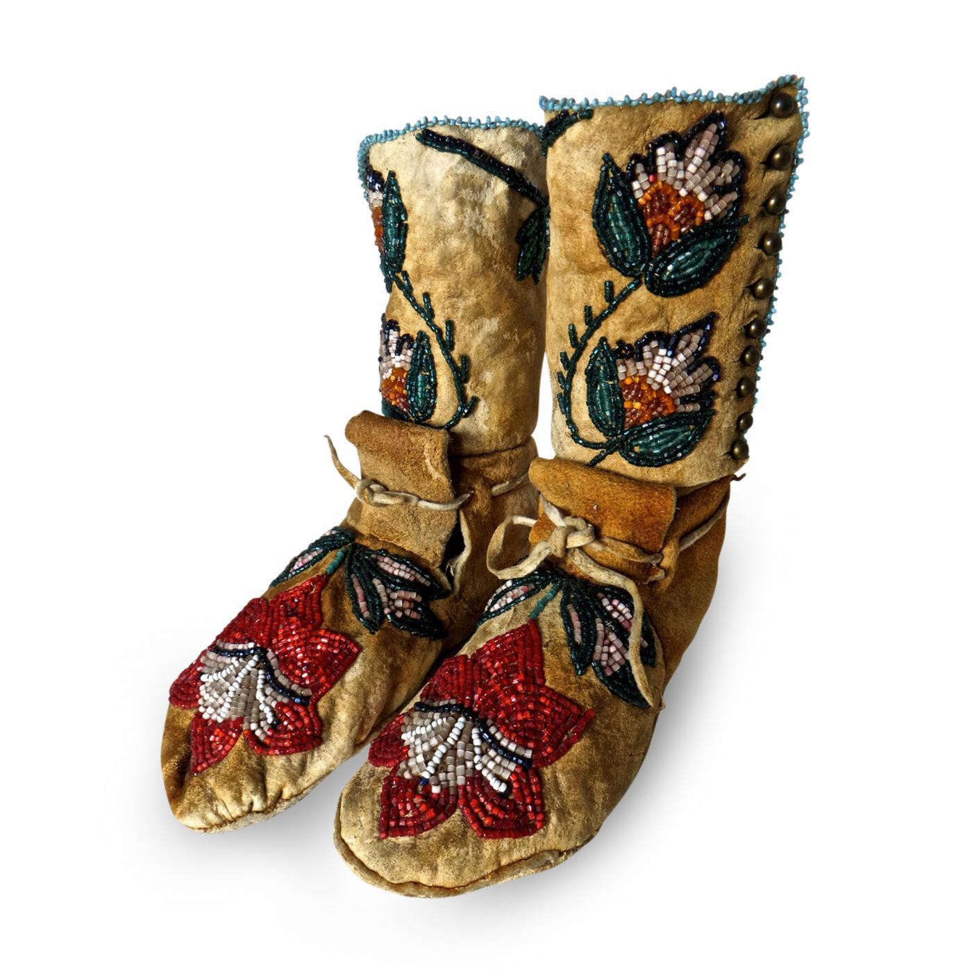 Shoshone Indians - Pair of Plateau