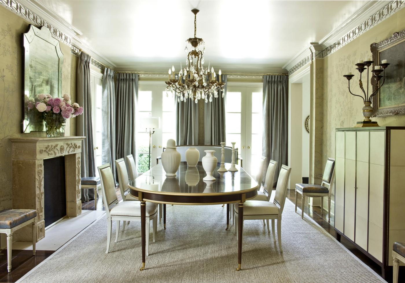 Gracious atlanta home by suzanne kasler interiors - Home interior decorators in atlanta ga ...