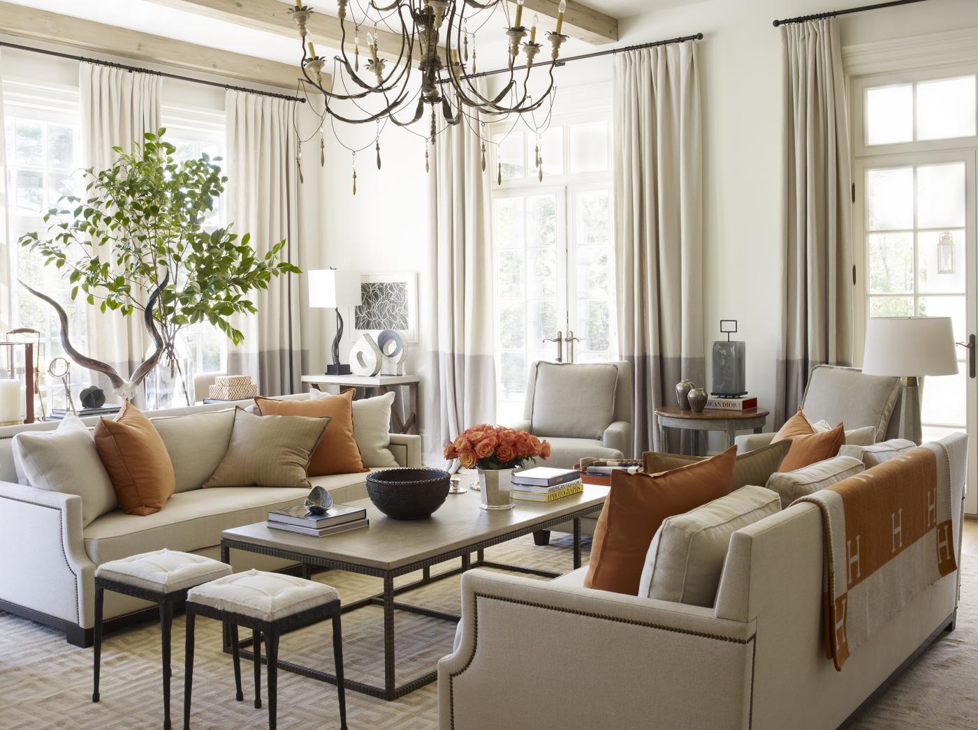 Suzanne Kasler Interiors. Suzanne Kasler Brilliantly Unites Color U0026  Elegance. Image Title