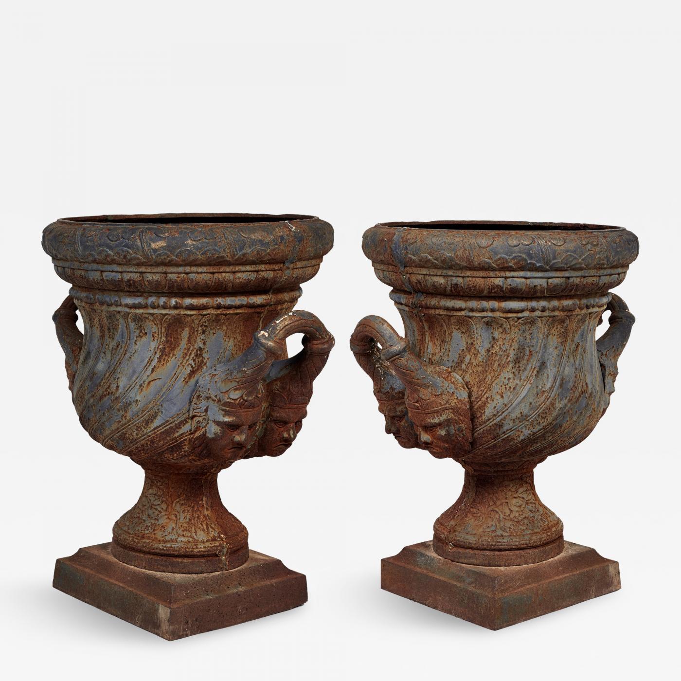 Attirant Listings / Decorative Arts / Garden U0026 Architectural / Planters U0026  Jardinieres · 19th Century Pair Of Iron Garden Urns