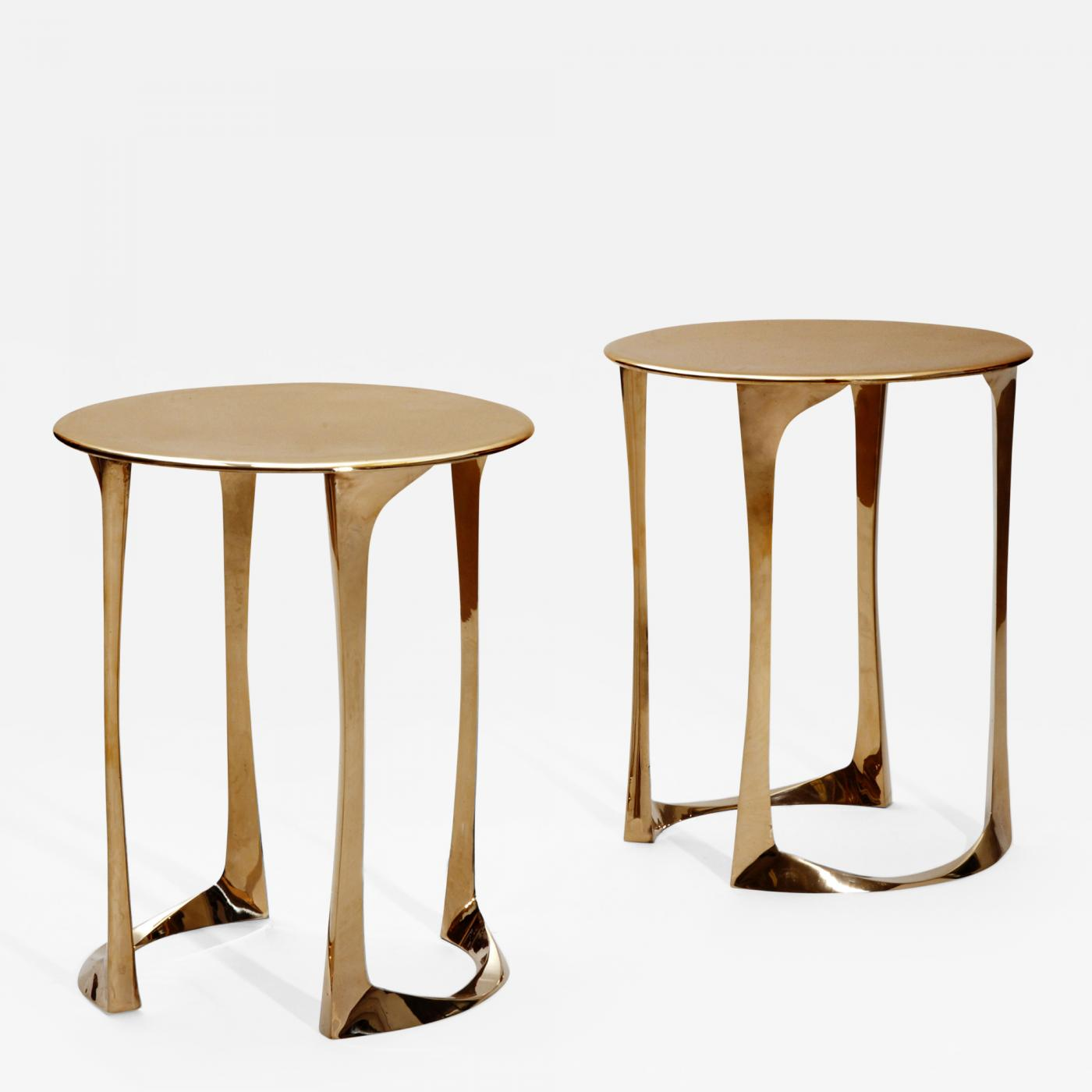 Superbe Listings / Furniture / Tables / Side Tables