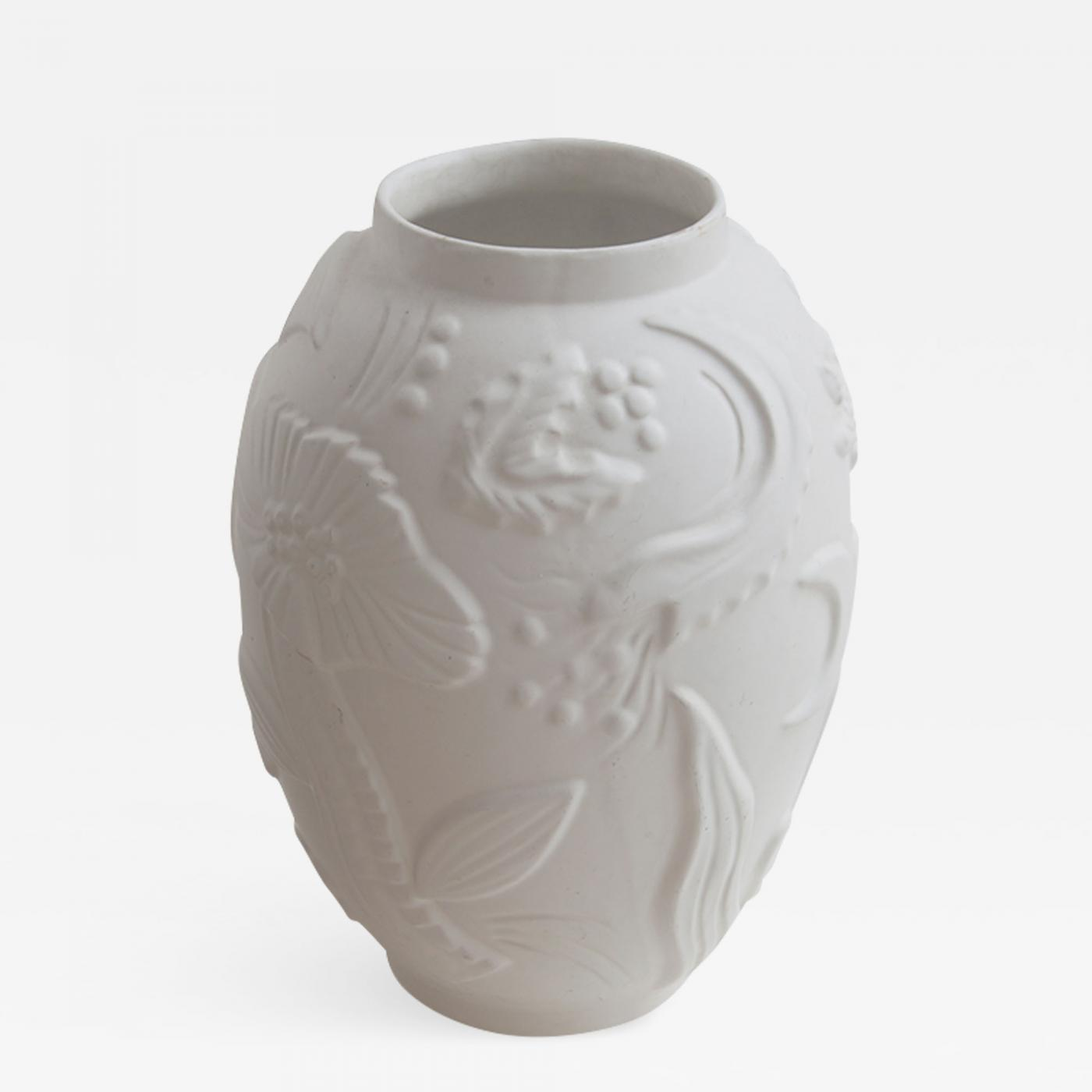 Listings Decorative Arts Objects Vases, Jars, & Urns