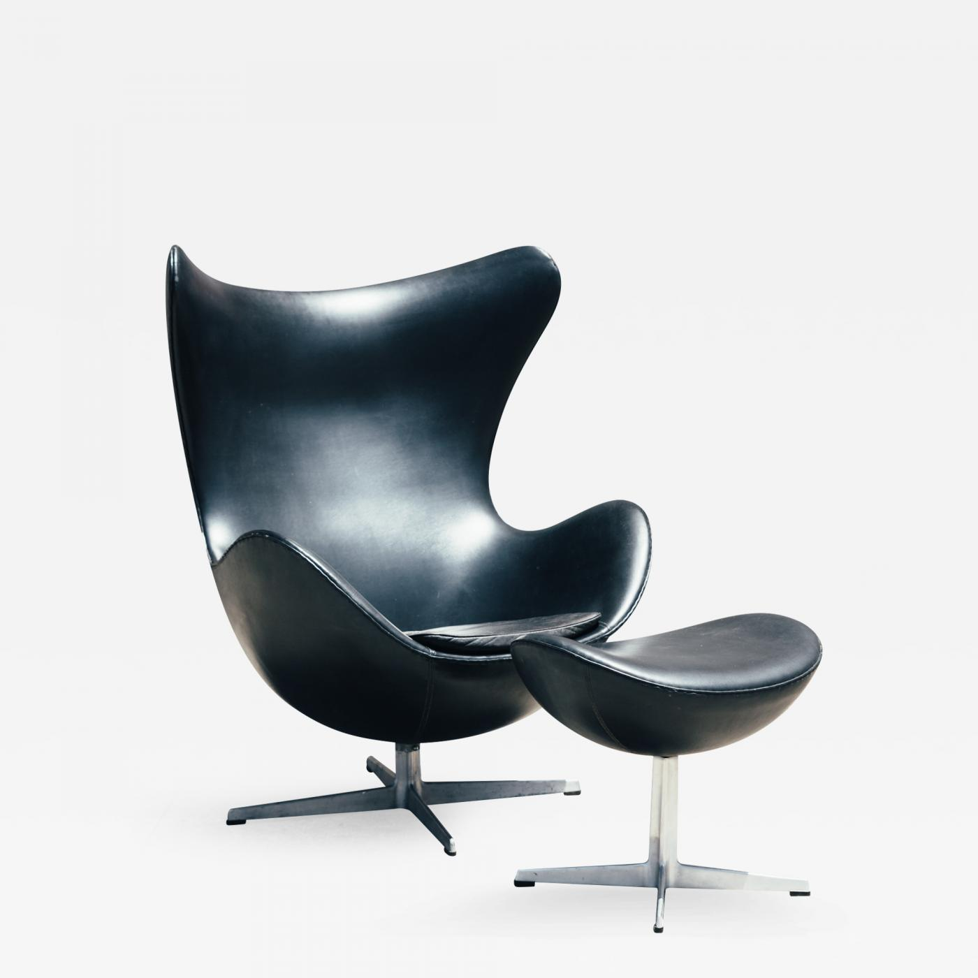 Arne jacobsen 1960s arne jacobsen egg chair and ottoman for Egg chair jacobsen