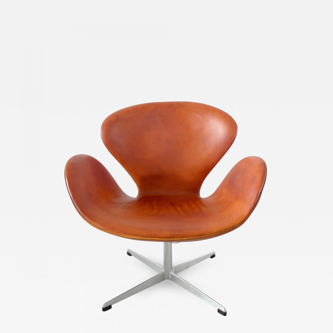 Arne Jacobsen Early Edition Arne Jacobsen Swan Chair In Original