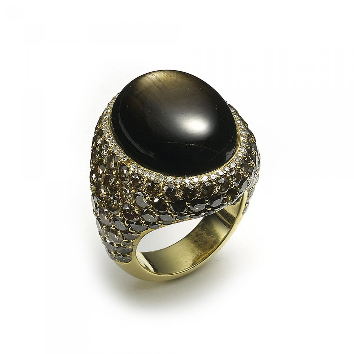 Yellow Oval Office Black Star Sapphire Ring