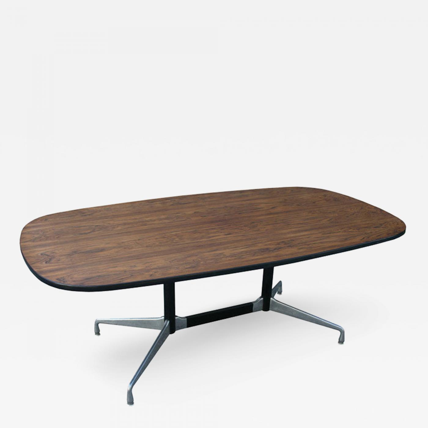 Charles eames eames aluminum group table for Table ronde charles eames