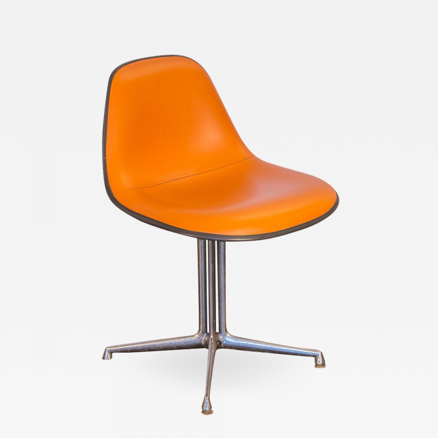 Charles & Ray Eames - Orange La Fonda Eames Chair