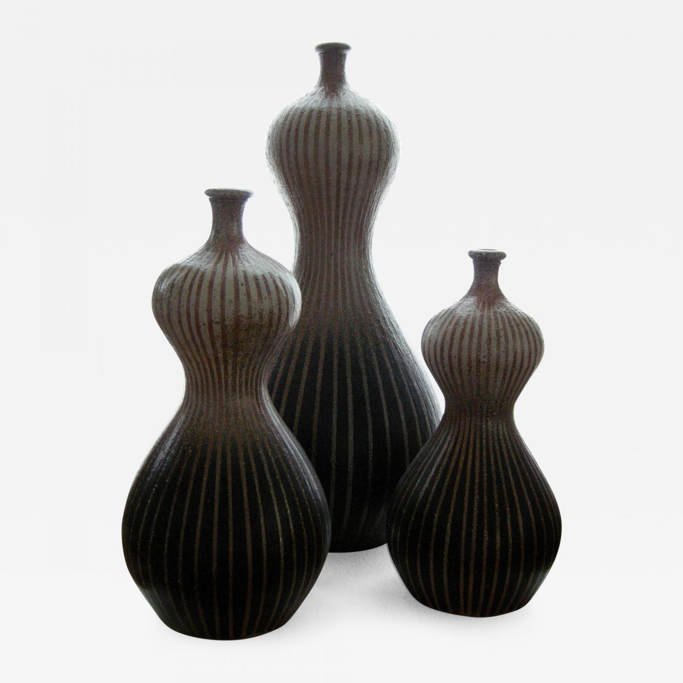Donna craven a trio of double gourd vases listings decorative arts objects vases jars urns reviewsmspy