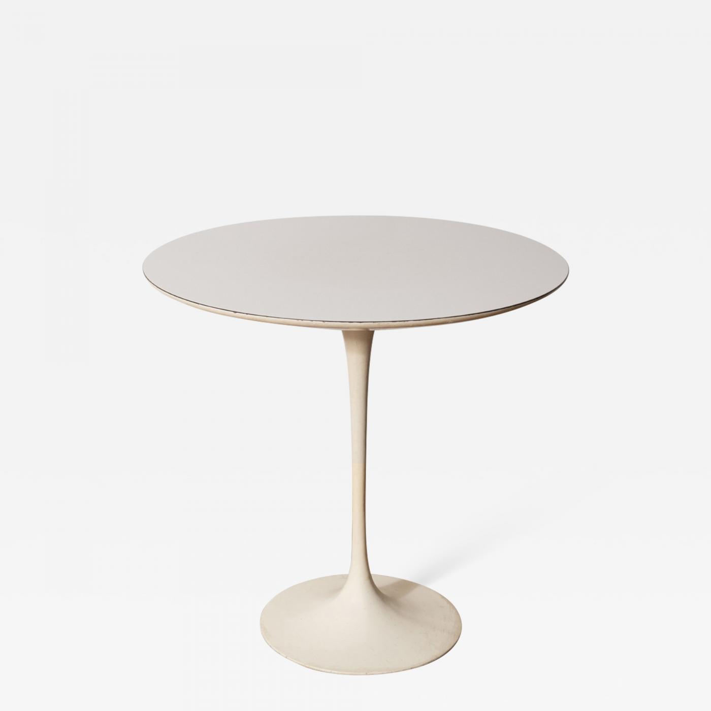 Early Eero Saarinen Round Tulip Side Table, Knoll, Model #160, USA, 1957