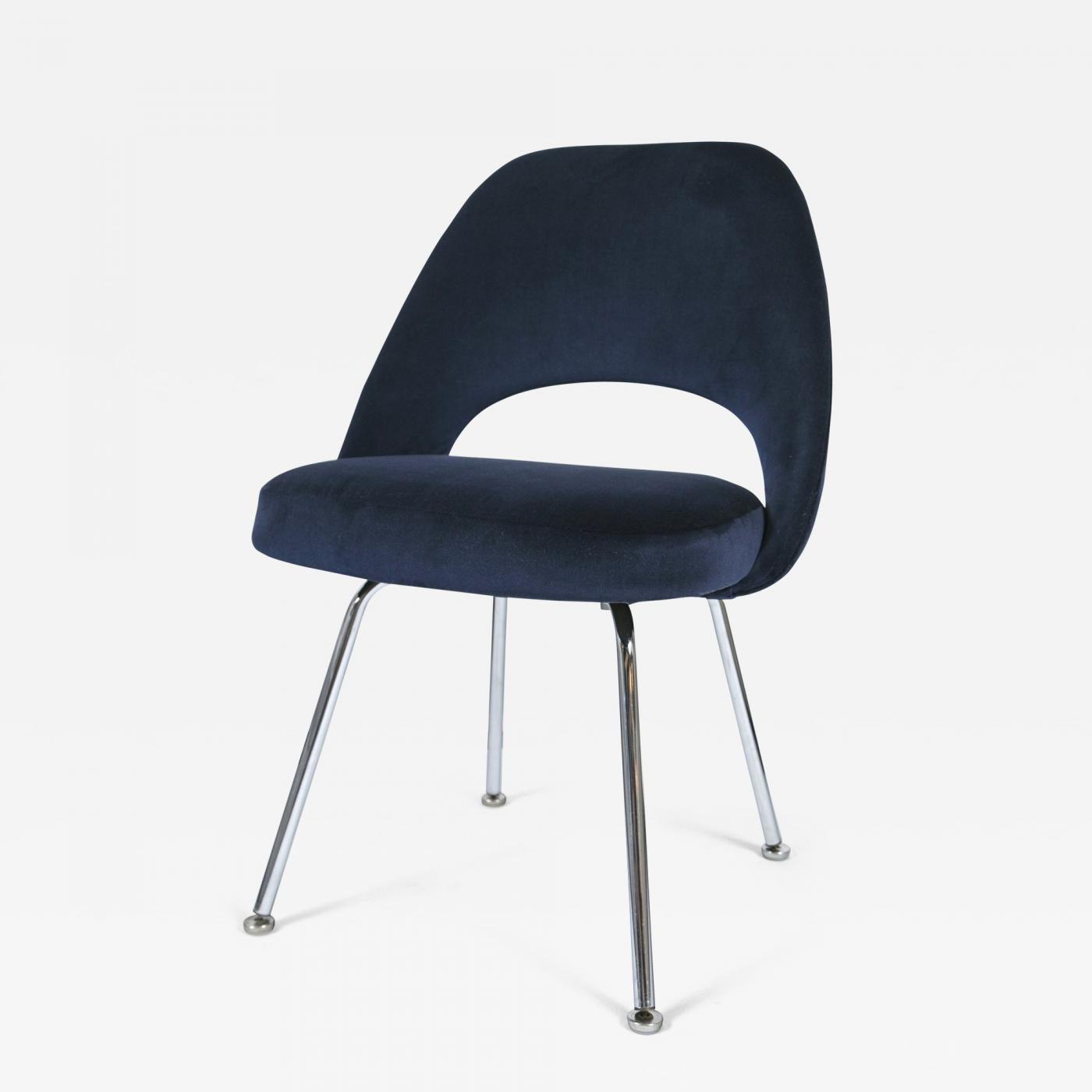 Eero Saarinen Saarinen Executive Armless Chair in Navy Velvet