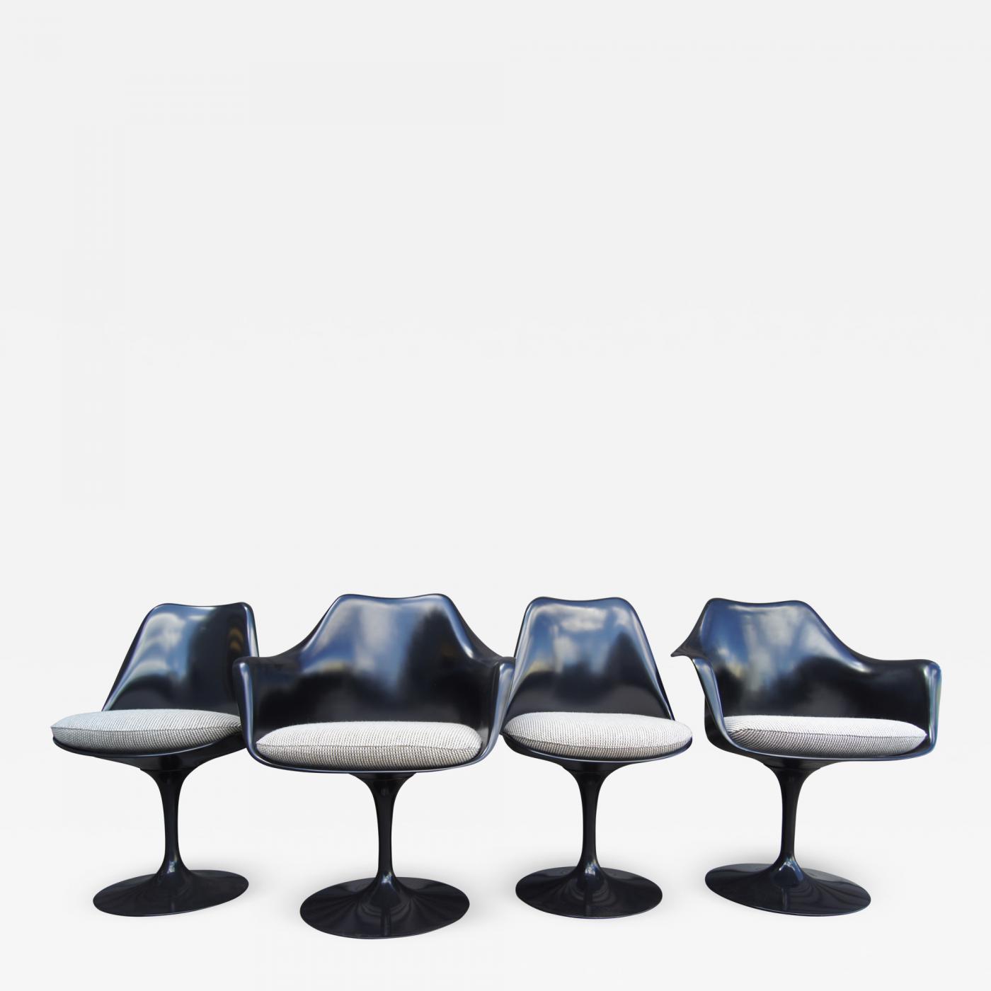 Eero Saarinen Set Of Four Black Tulip Chairs By Eero Saarinen For Knoll