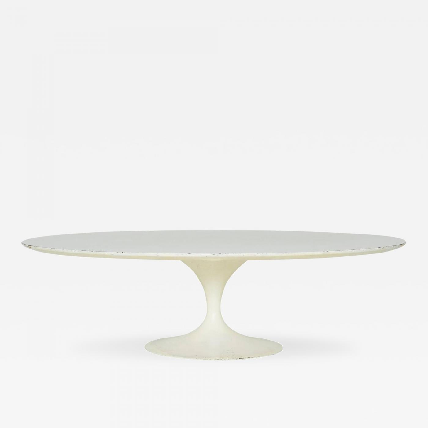Eero Saarinen Tulip Coffee Table by Eero Saarinen for Knoll 1950 s