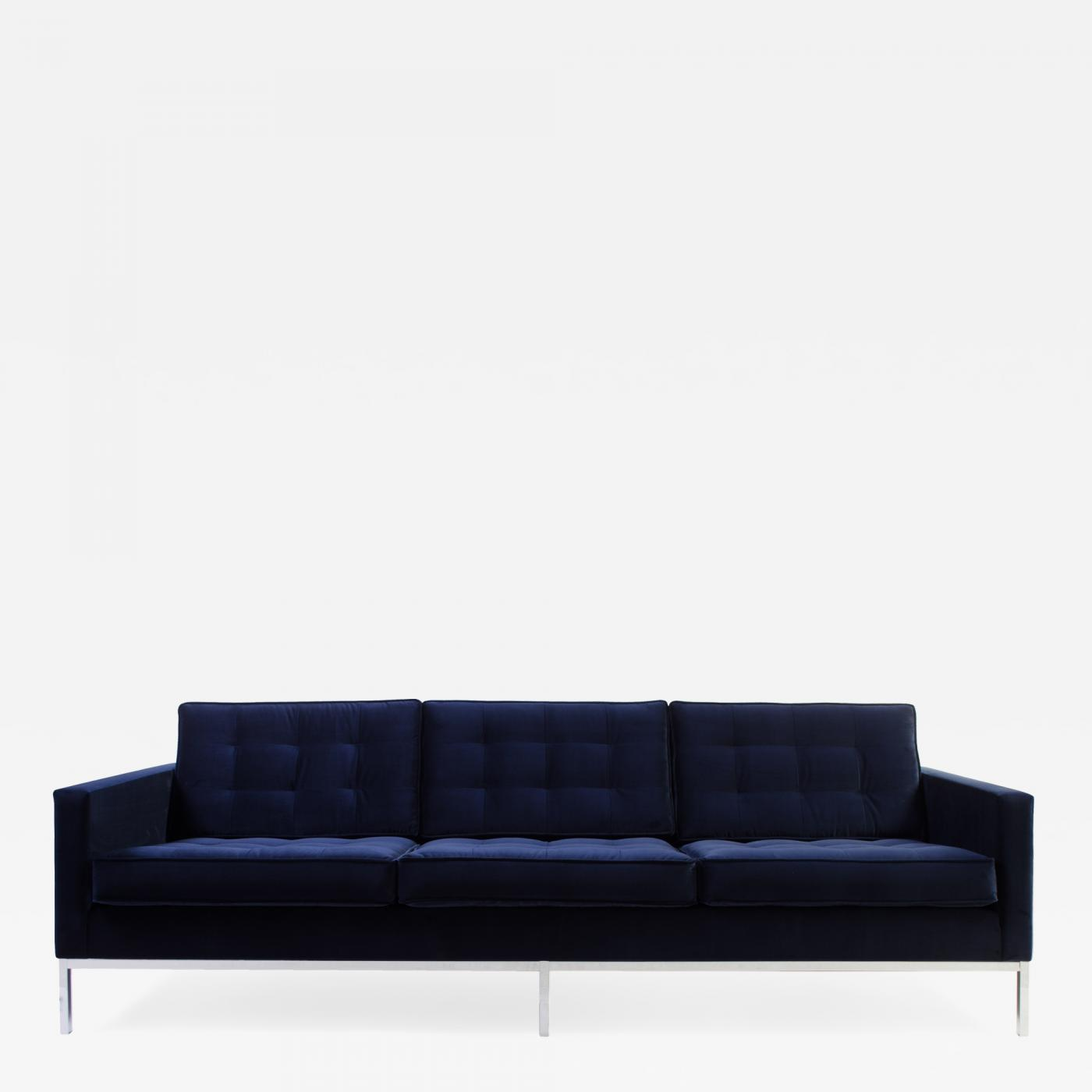 Listings / Furniture / Seating / Sofas