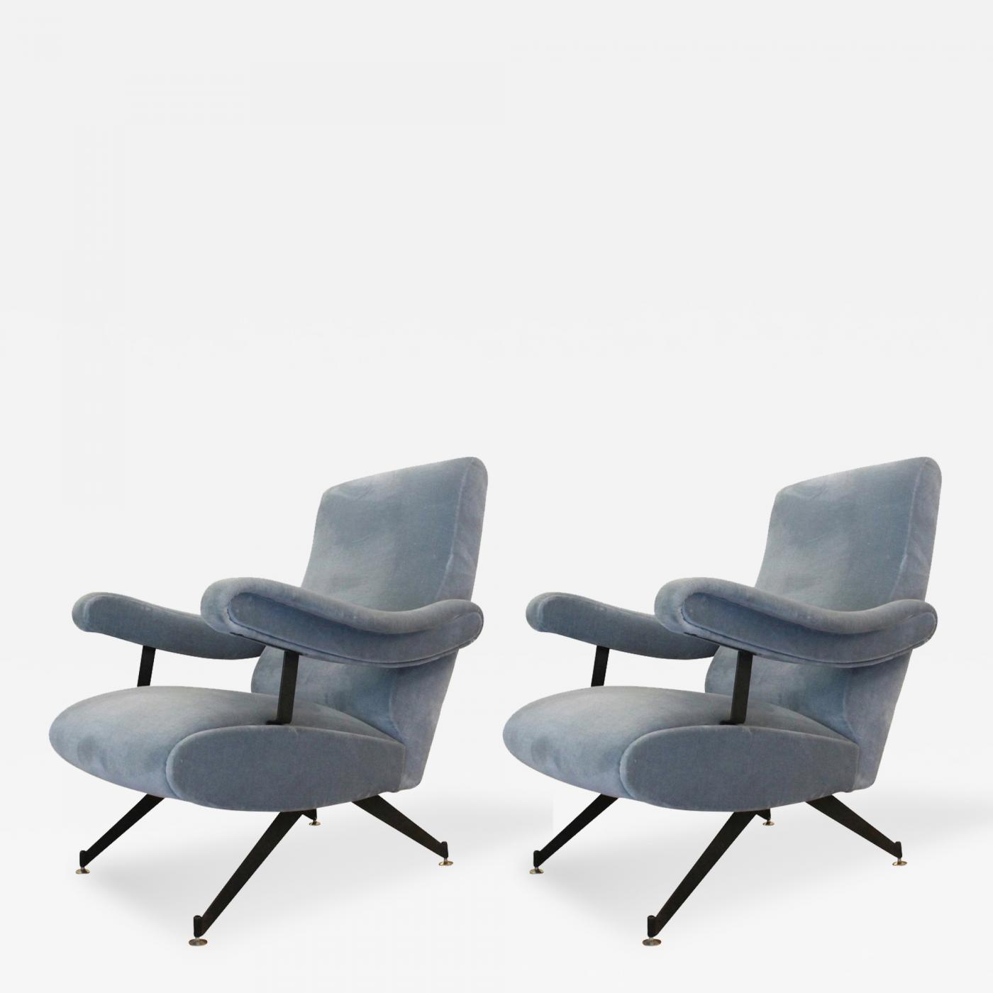 Gianni Moscatelli Pair of Reclining Lounge Chairs by Formanova