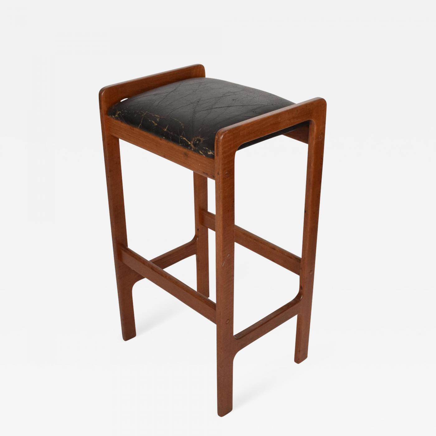 Picture of: Hans Wegner Danish Modern Teak Bar Stool With Leather Seat