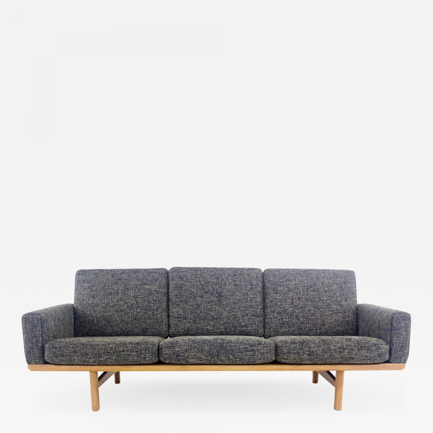 Hans Wegner - Exceptional Scandinavian Modern Sofa Designed by Hans Wegner