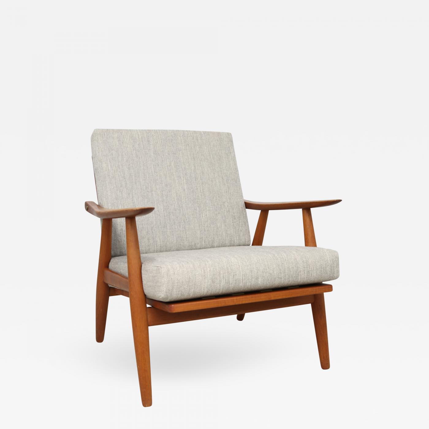 Hans J. Wegner for Getama Danish Mid-Century Lounge Armchair (Ge-270) & Hans J. Wegner for Getama Danish Mid-Century Lounge Armchair