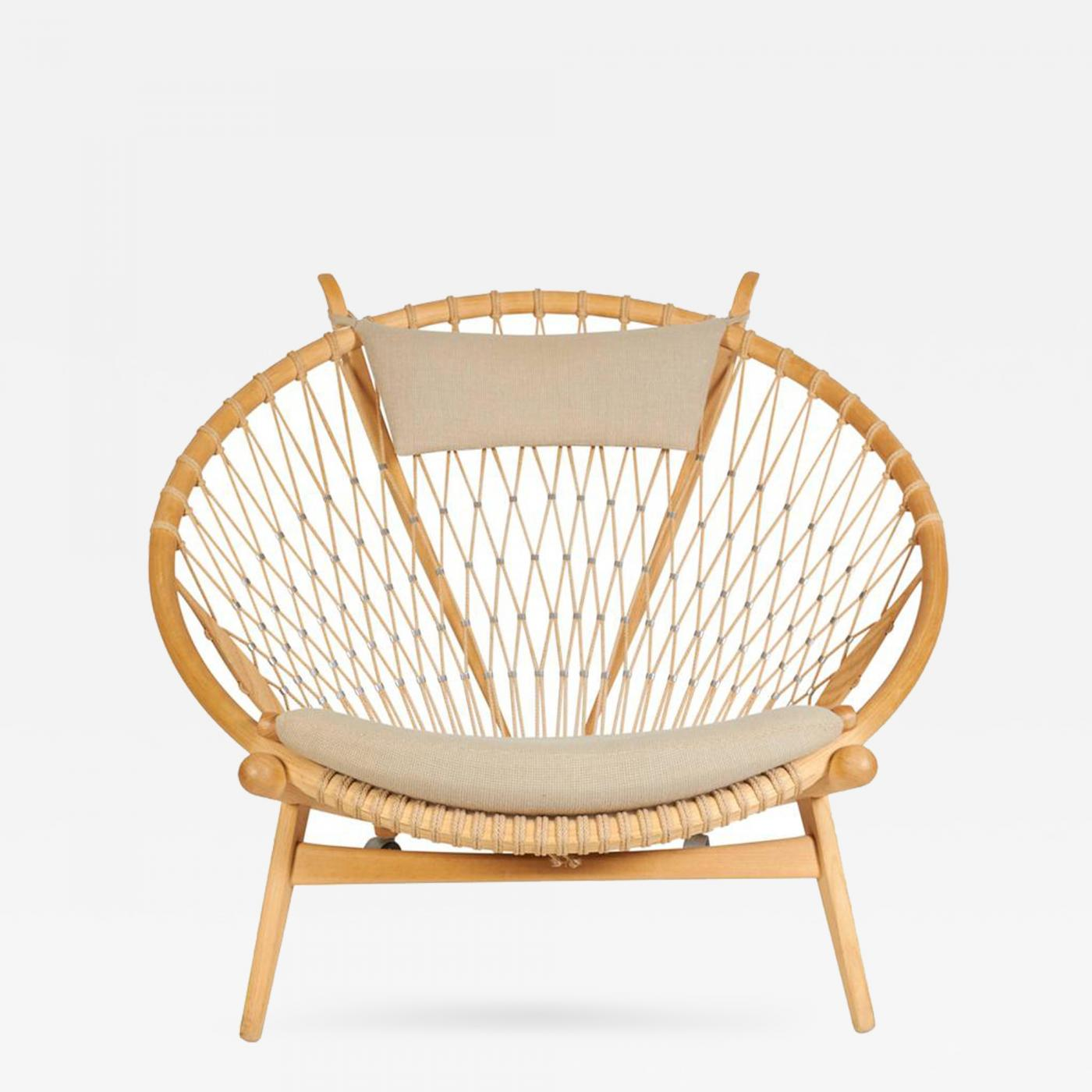 hans wegner the hoop chair by hans j wegner. Black Bedroom Furniture Sets. Home Design Ideas