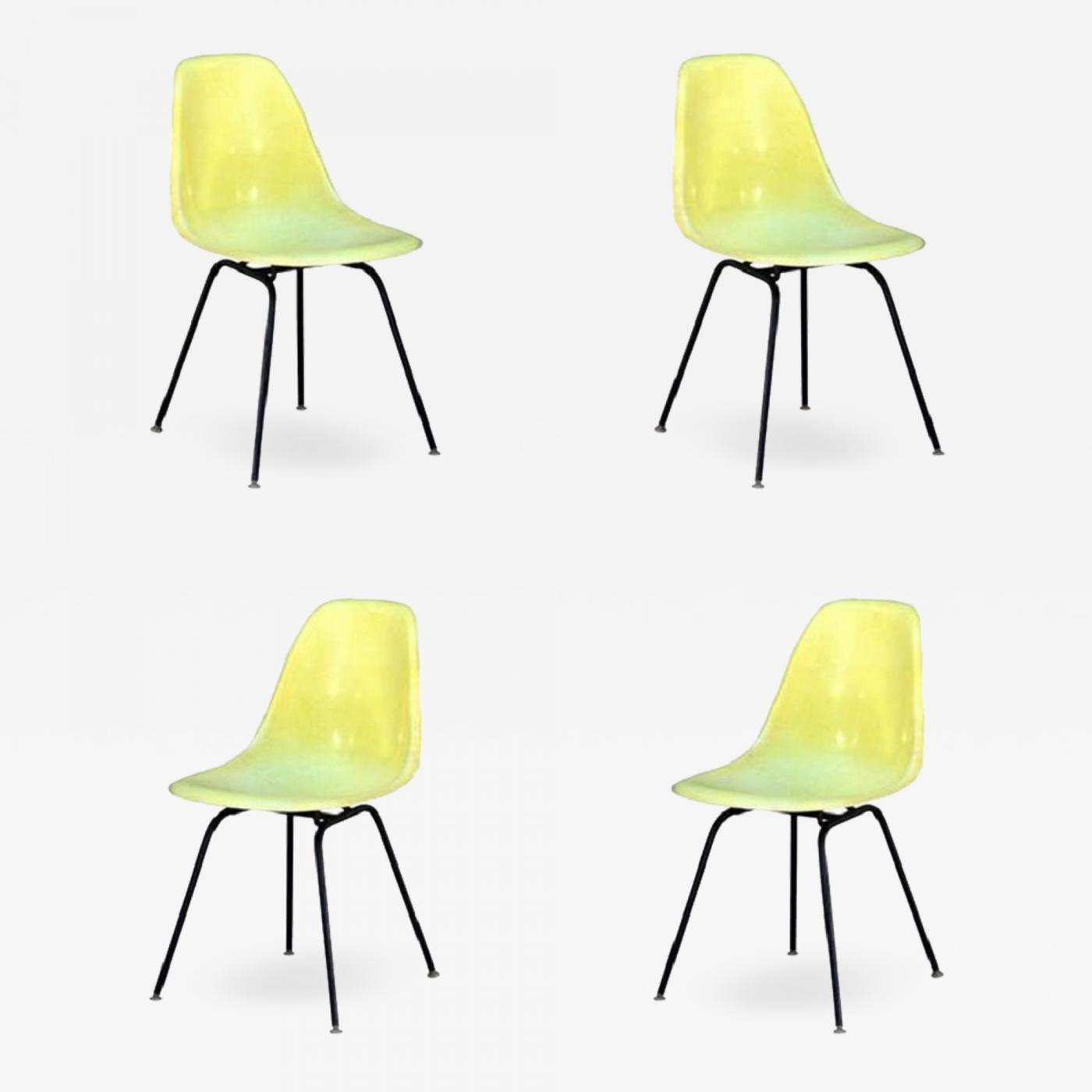 Vintage Herman Miller Chairs >> Herman Miller Set Of 4 Vintage Eames Chairs By Herman Miller