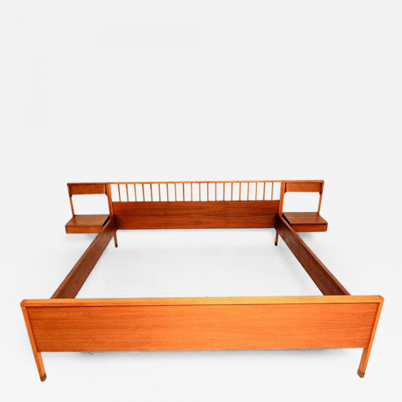 Italian Mid Century Modern Bed With Floating Nightstands