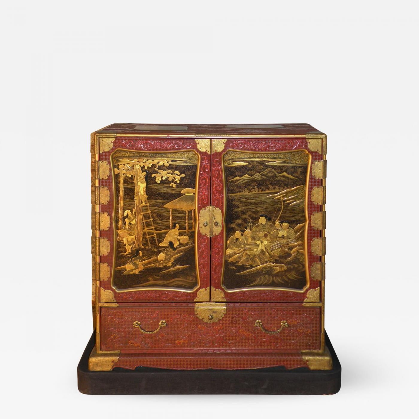 Japanese Red Lacquer Edo Period Samurai Cabinet Made For The Inaba Family