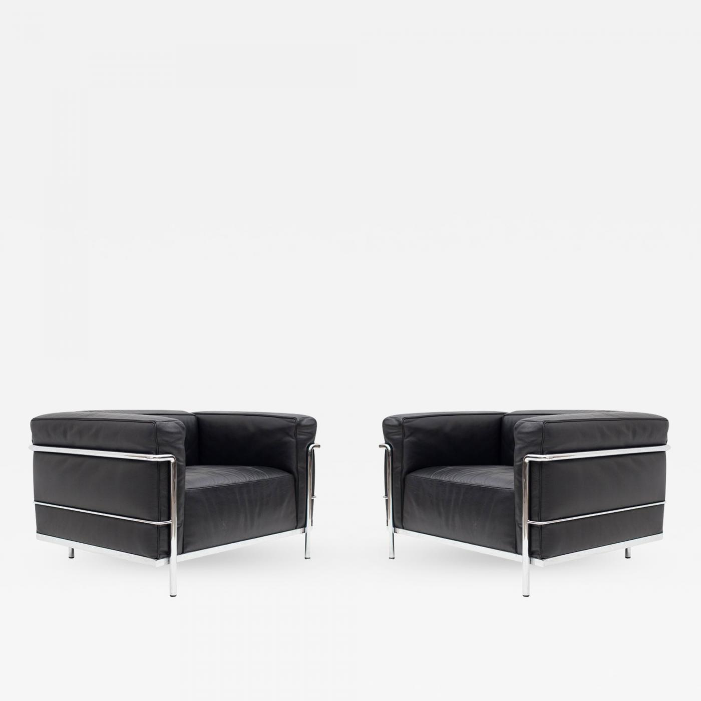 Pair of LC3 Le Corbusier Black Poltrona Lounge Chairs