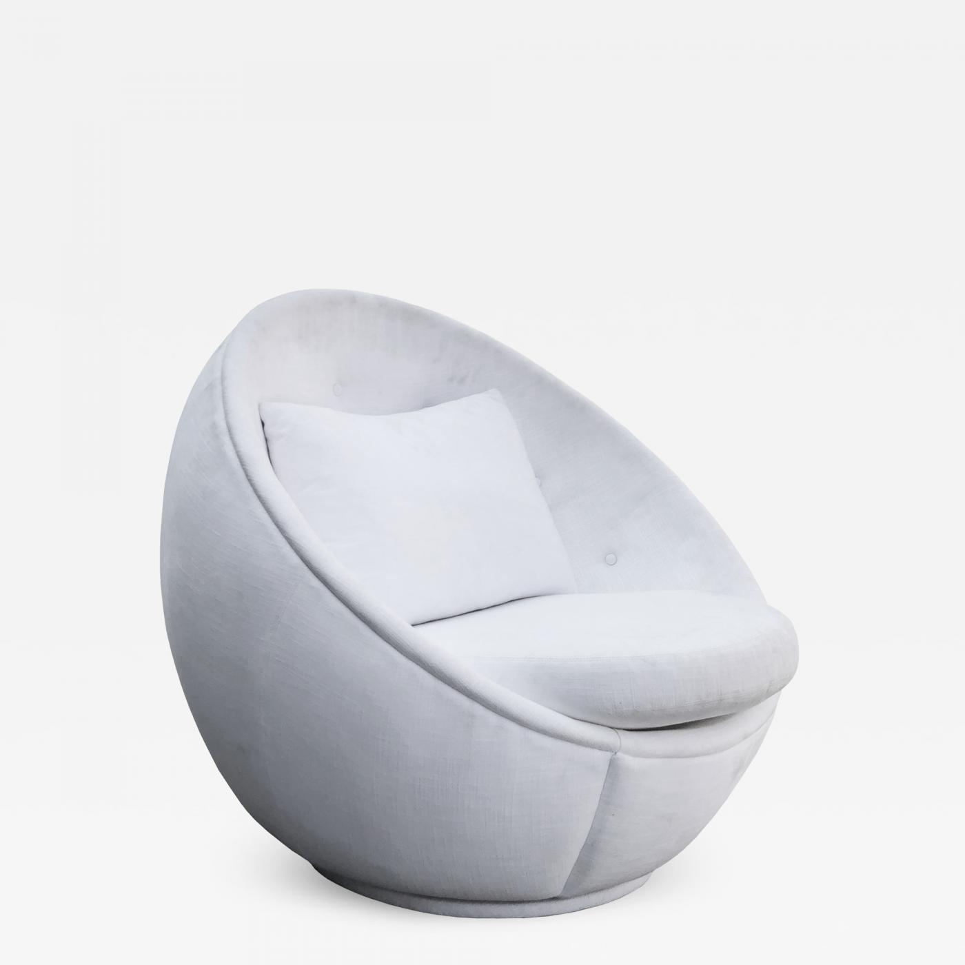 Milo Baughman Stunning Quot Egg Quot Swivel Chair By Milo
