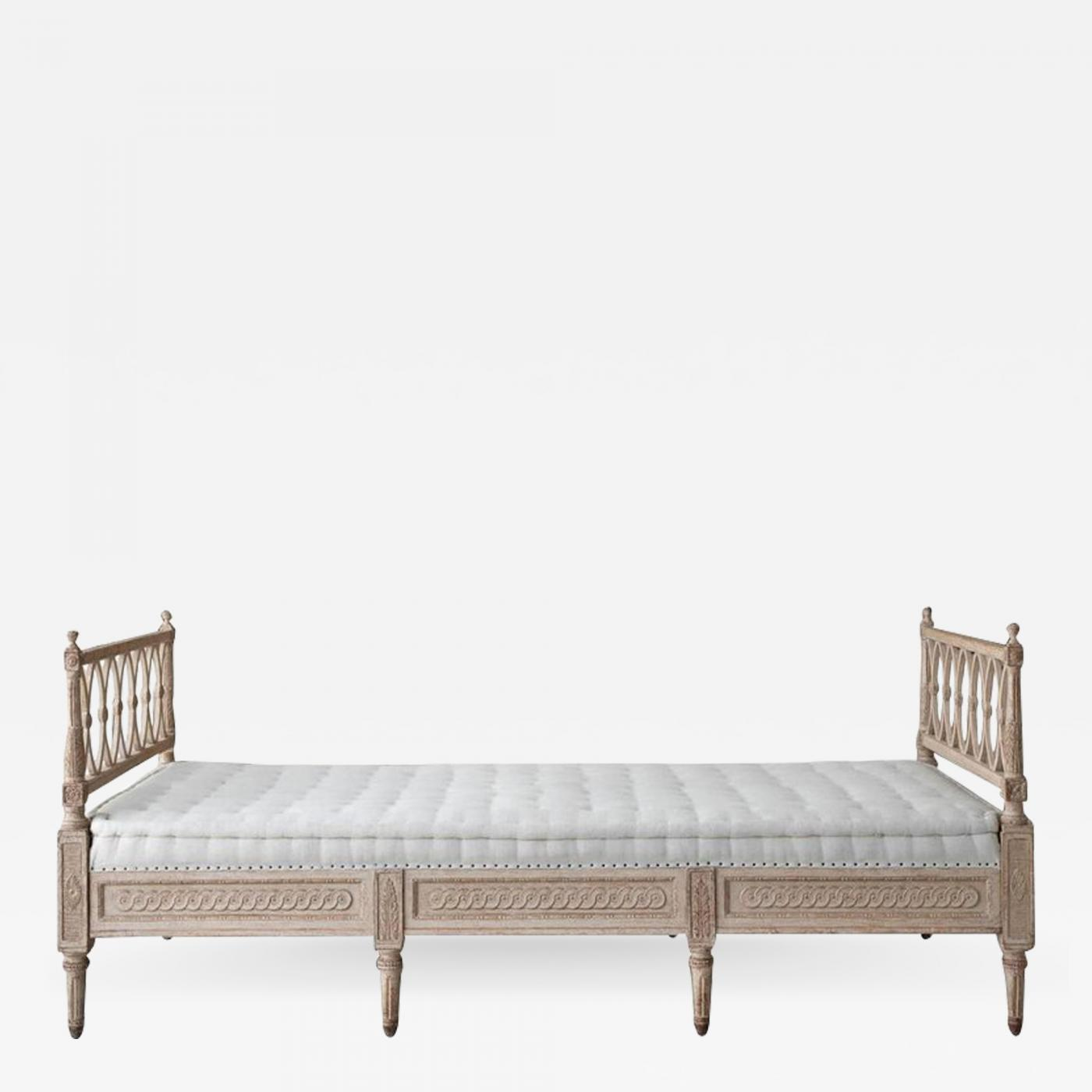 Sensational Swedish Daybed Sofa In The Gustavian Style Squirreltailoven Fun Painted Chair Ideas Images Squirreltailovenorg