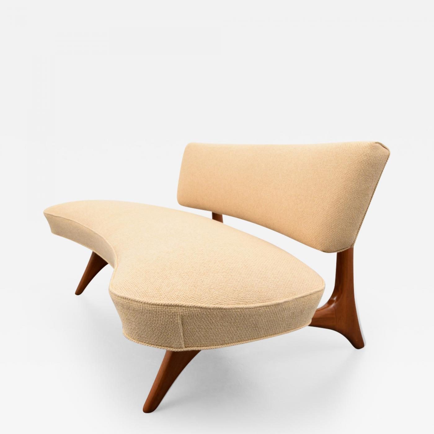 """Curved Floating Sofa: Rare And Early Vladimir Kagan """"Floating"""