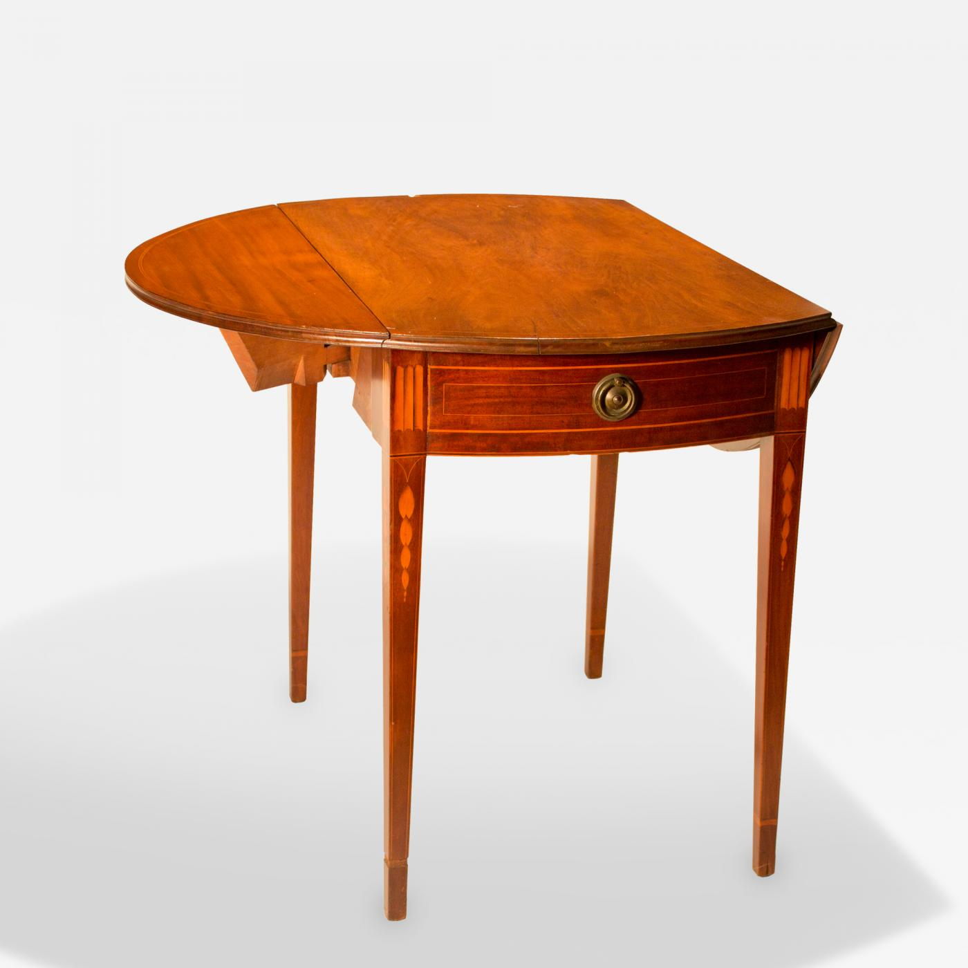 Ordinaire Listings / Furniture / Tables / Drop Leaf Tables · Walnut Hepplewhite Pembroke  Table